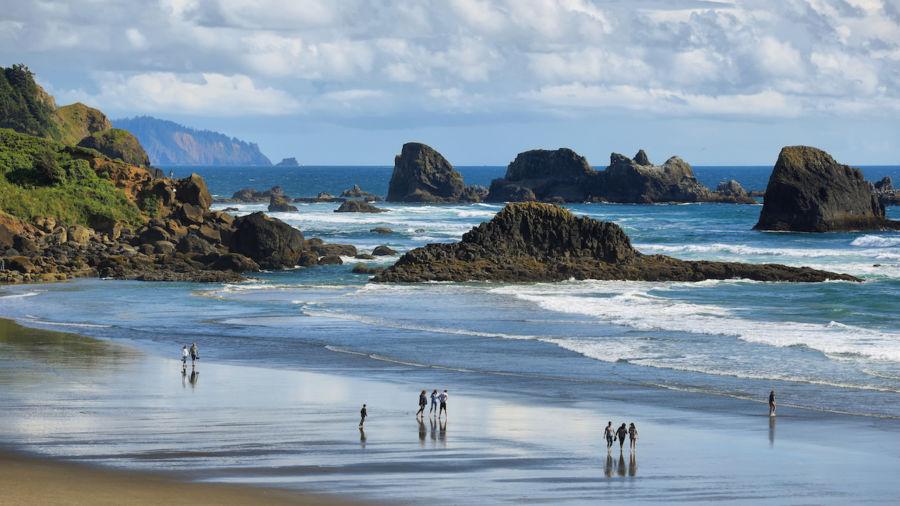 Rockhounding for gems and treasure on the stunning Oregon Coast