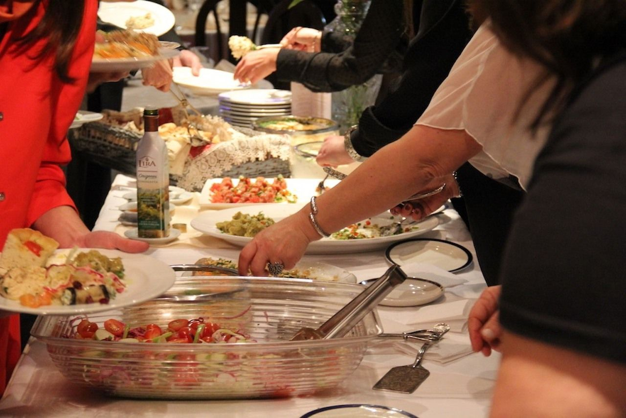 Food being served, UGAB Buenos Aires