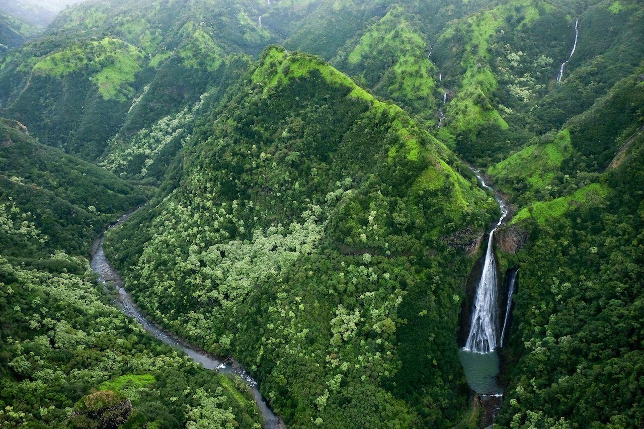 Manawaiopuna Falls in Kauai, Hawaii