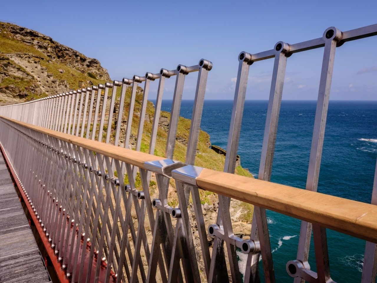 Tintagel footbridge close up
