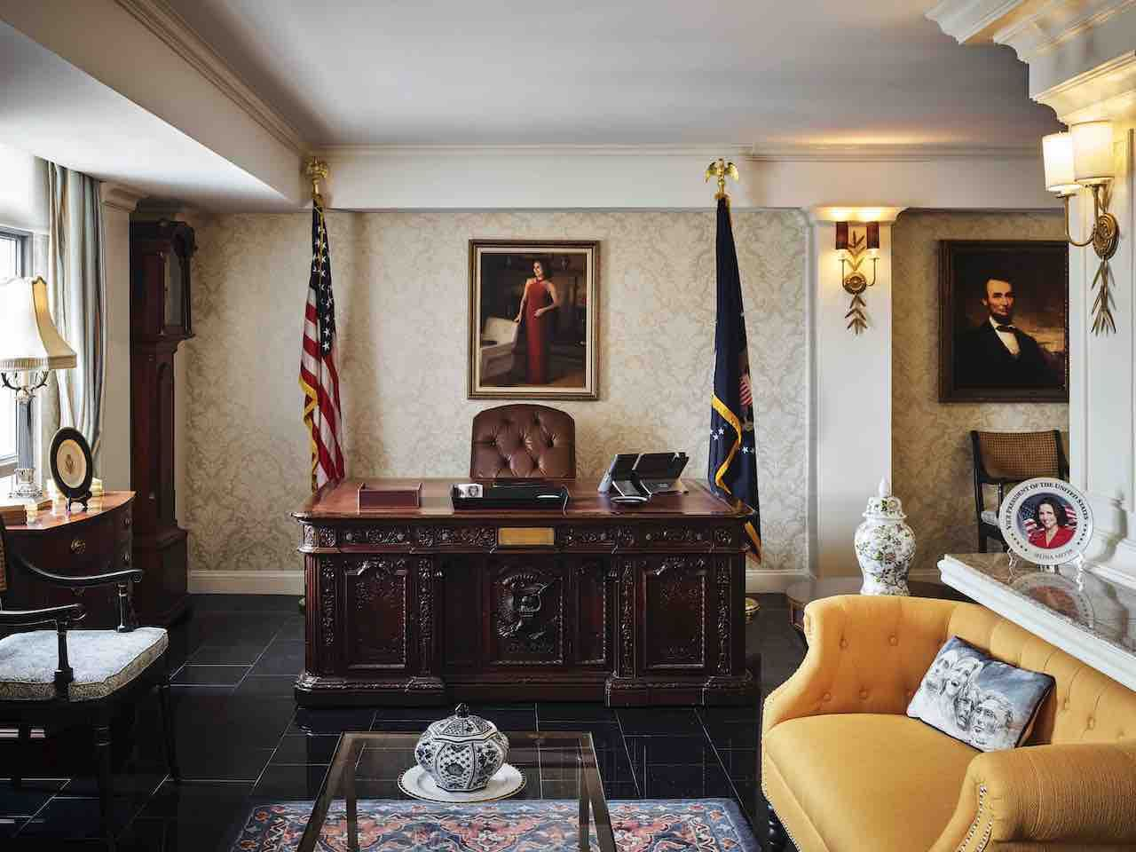 Hamilton-Hotel-Selina-Meyer-Oval-Office-veep-pop-up