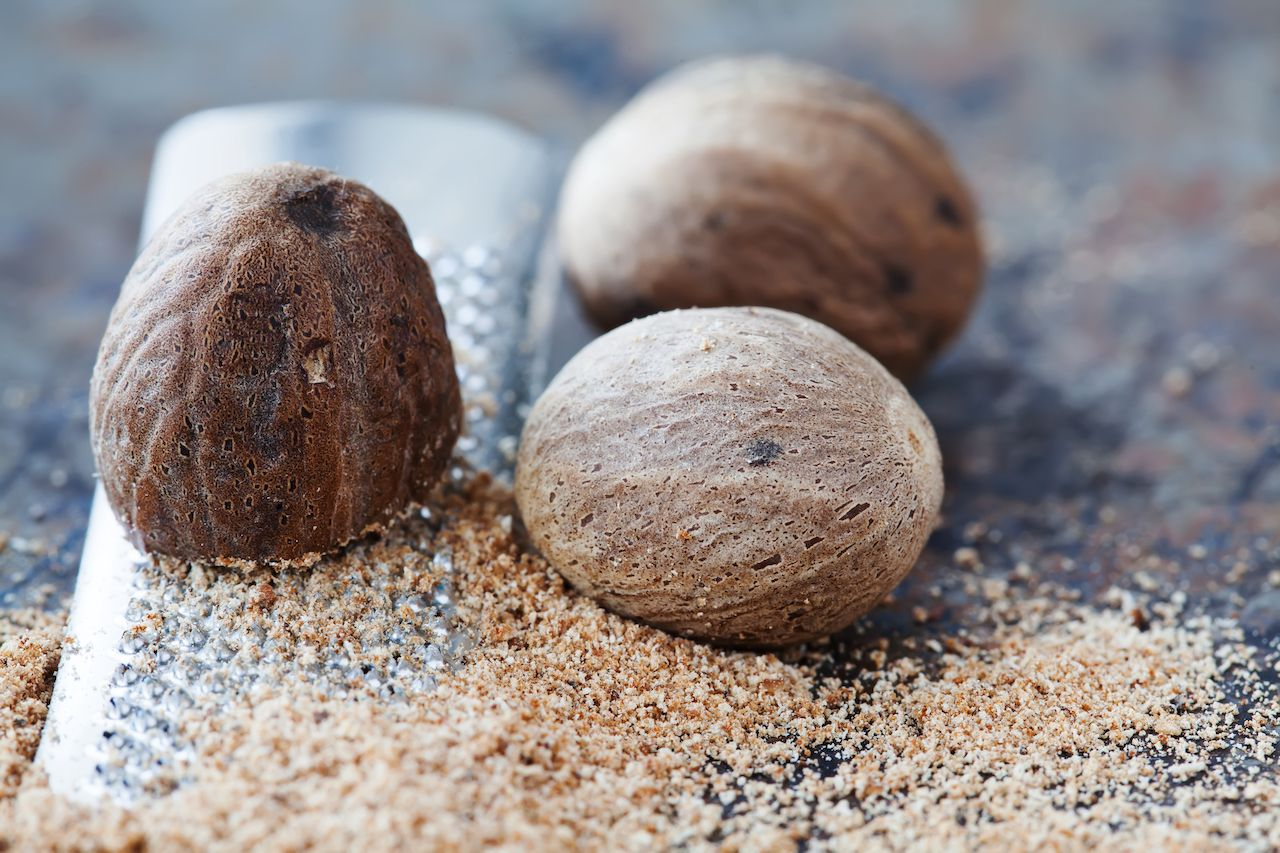 Making nutmeg