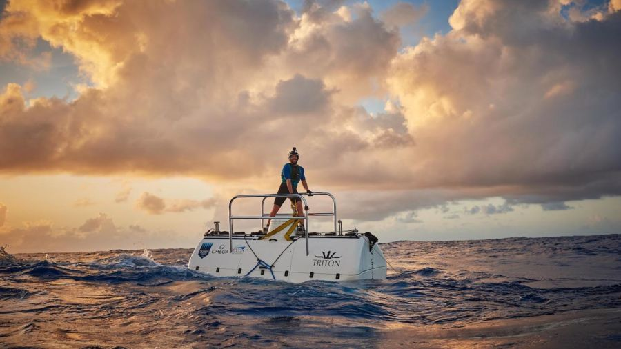 Explorer becomes the first person to dive to the oceans' deepest spots