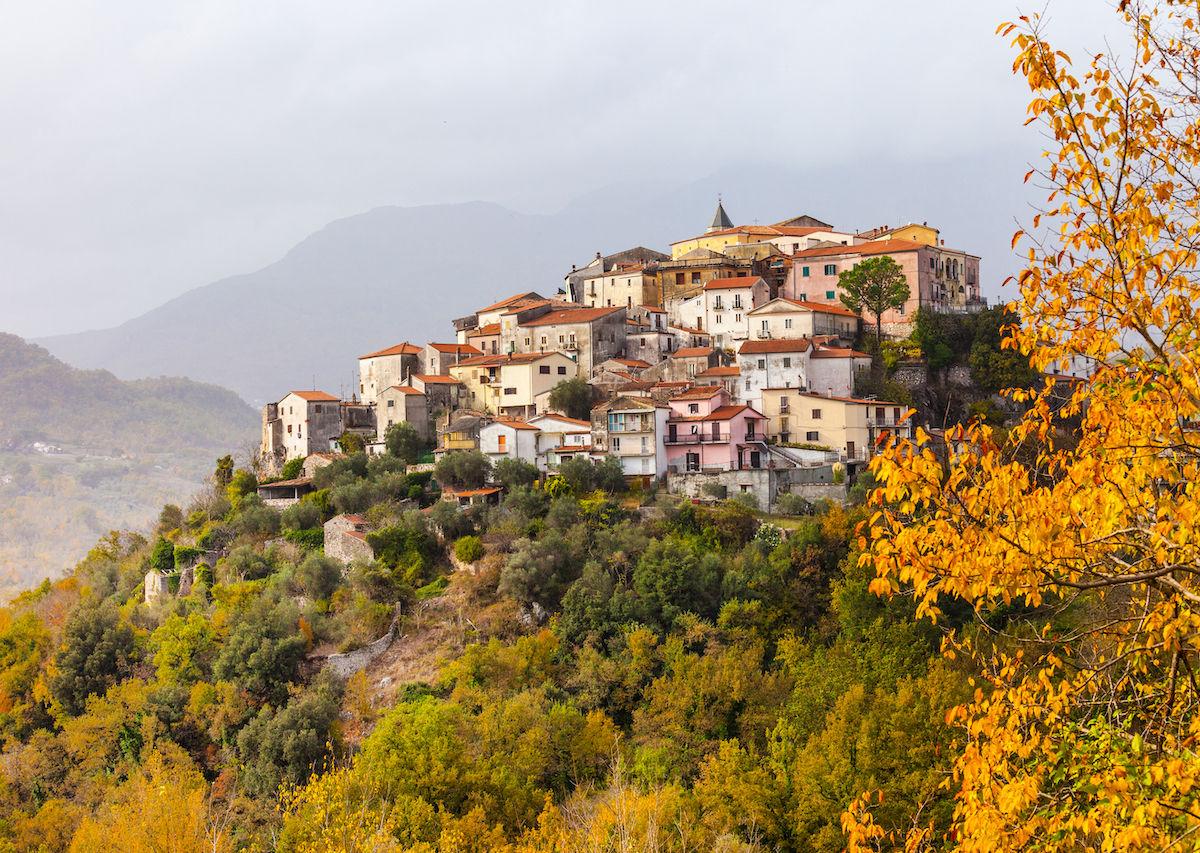 Dibayar Ratusan Juta untuk Pindah ke Molise, Italia, Siapa Mau?