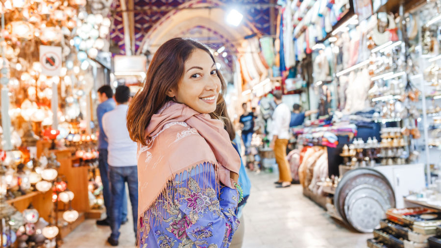 What you can and can't wear in the Arab world as travelers