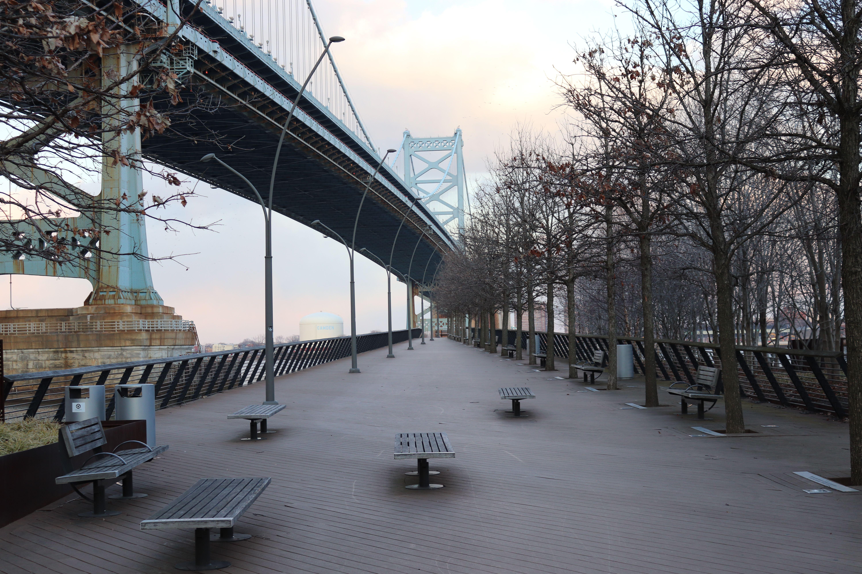 Ben Franklin Bridge Race St pier
