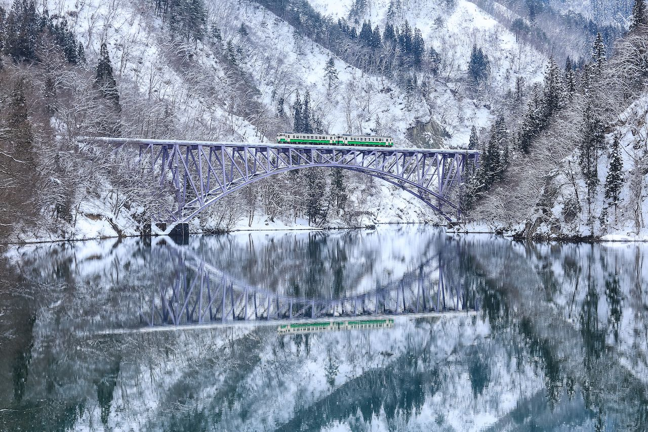 Tadami line train