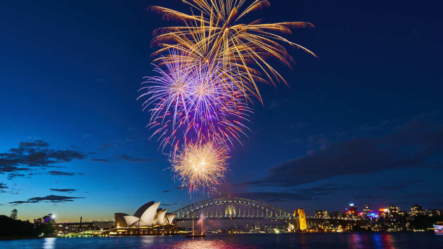 Sydney's New Year's Eve fireworks will go ahead despite petition and fire bans