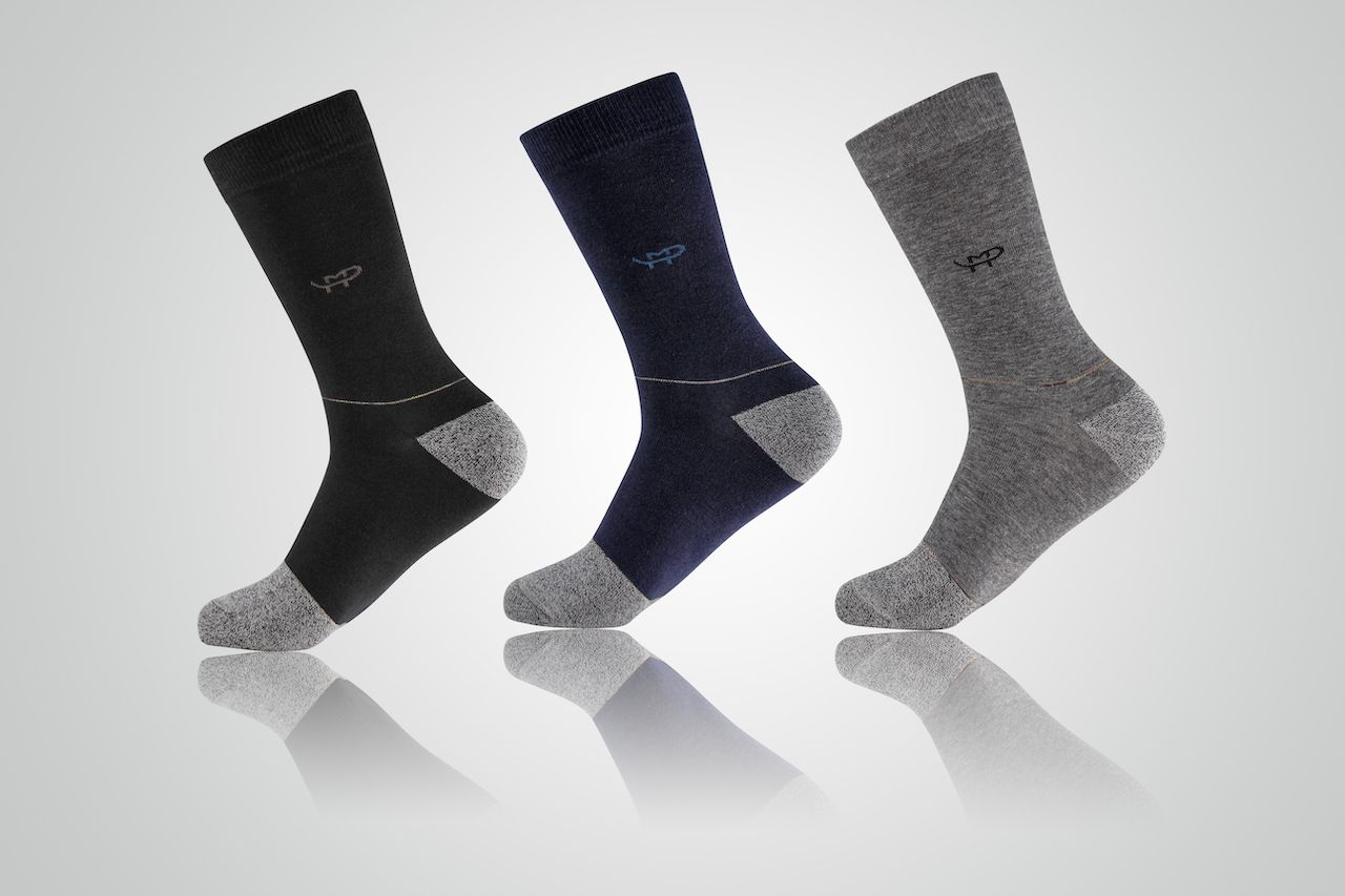 crew socks with 3 colors