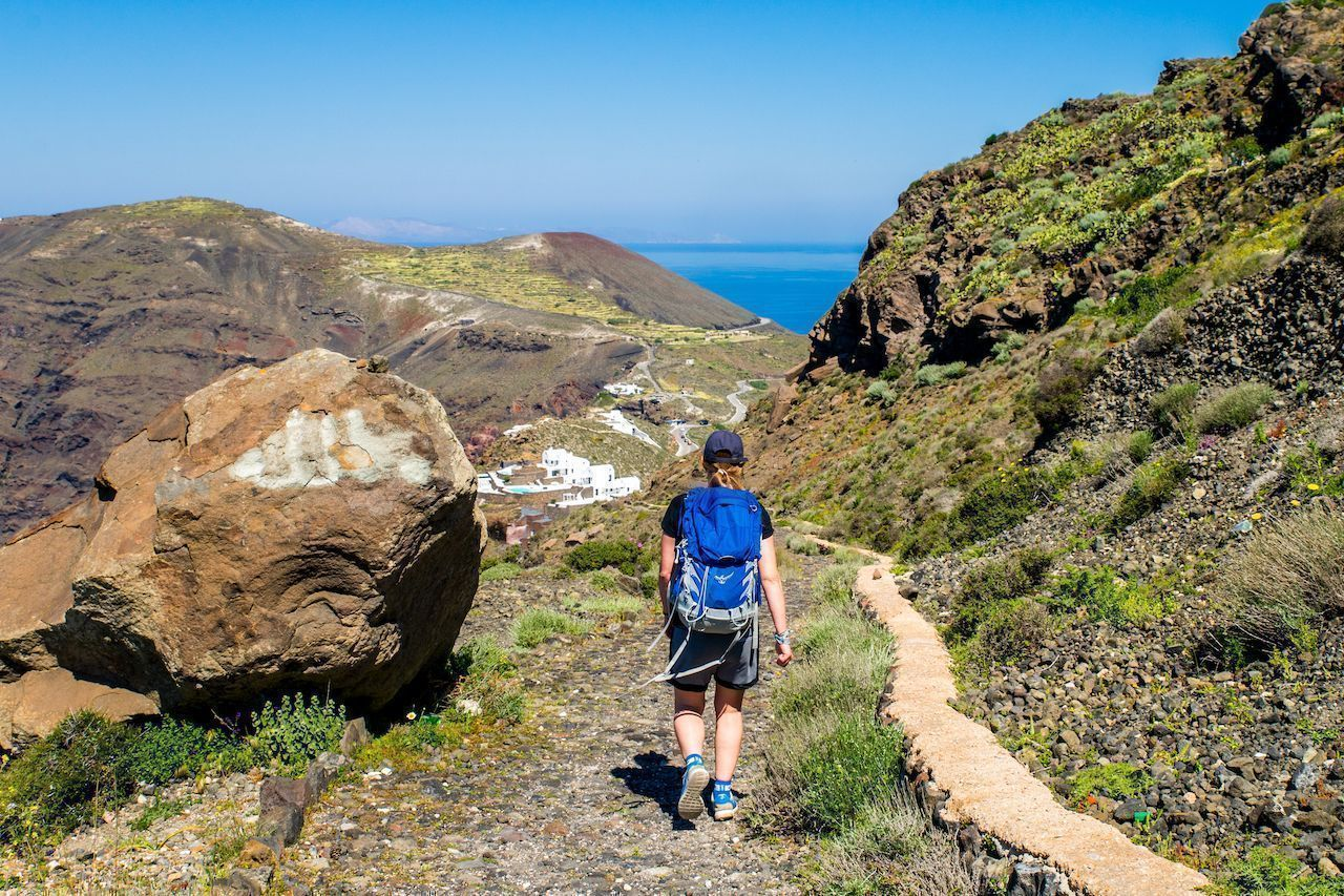 The best hikes in Santorini