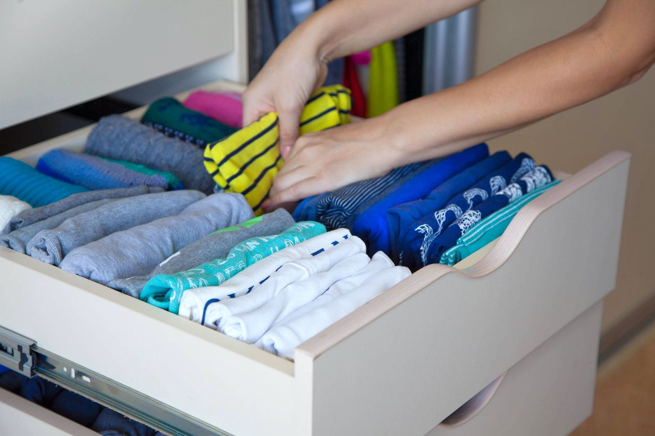 Organizing drawers