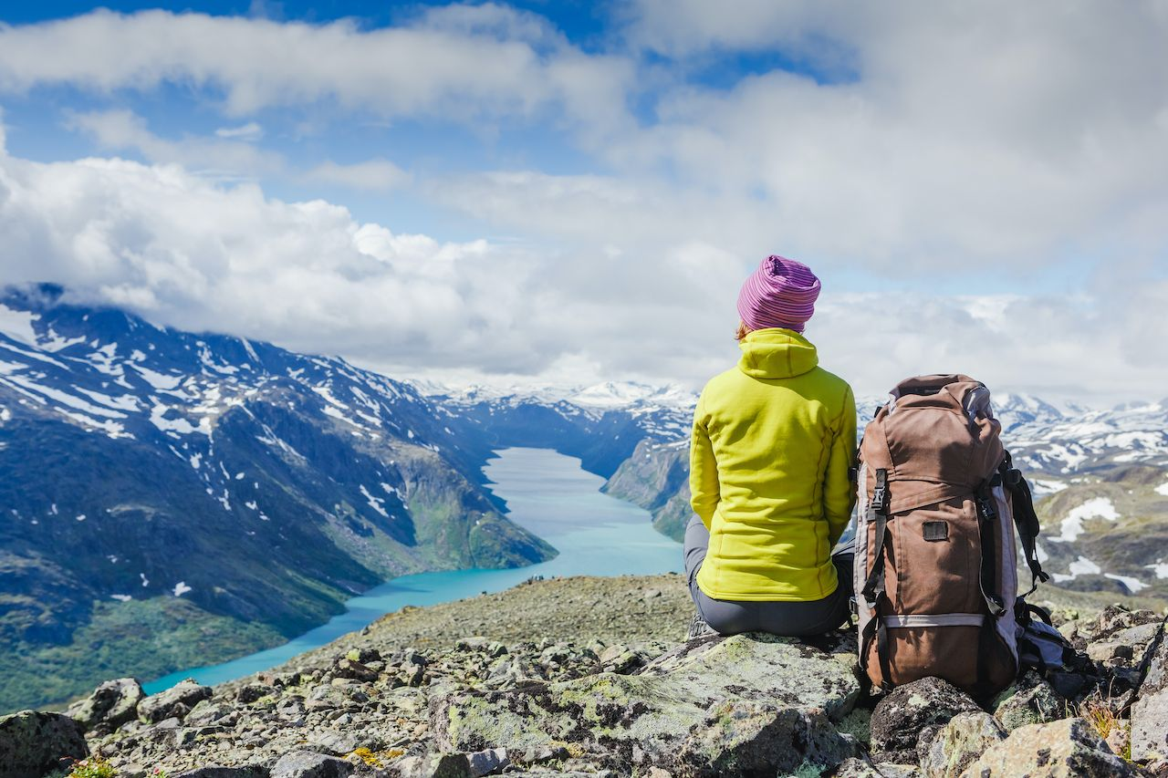 Person looking at view, Besseggen Ridge