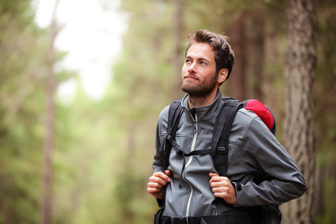 How to layer for spring hiking
