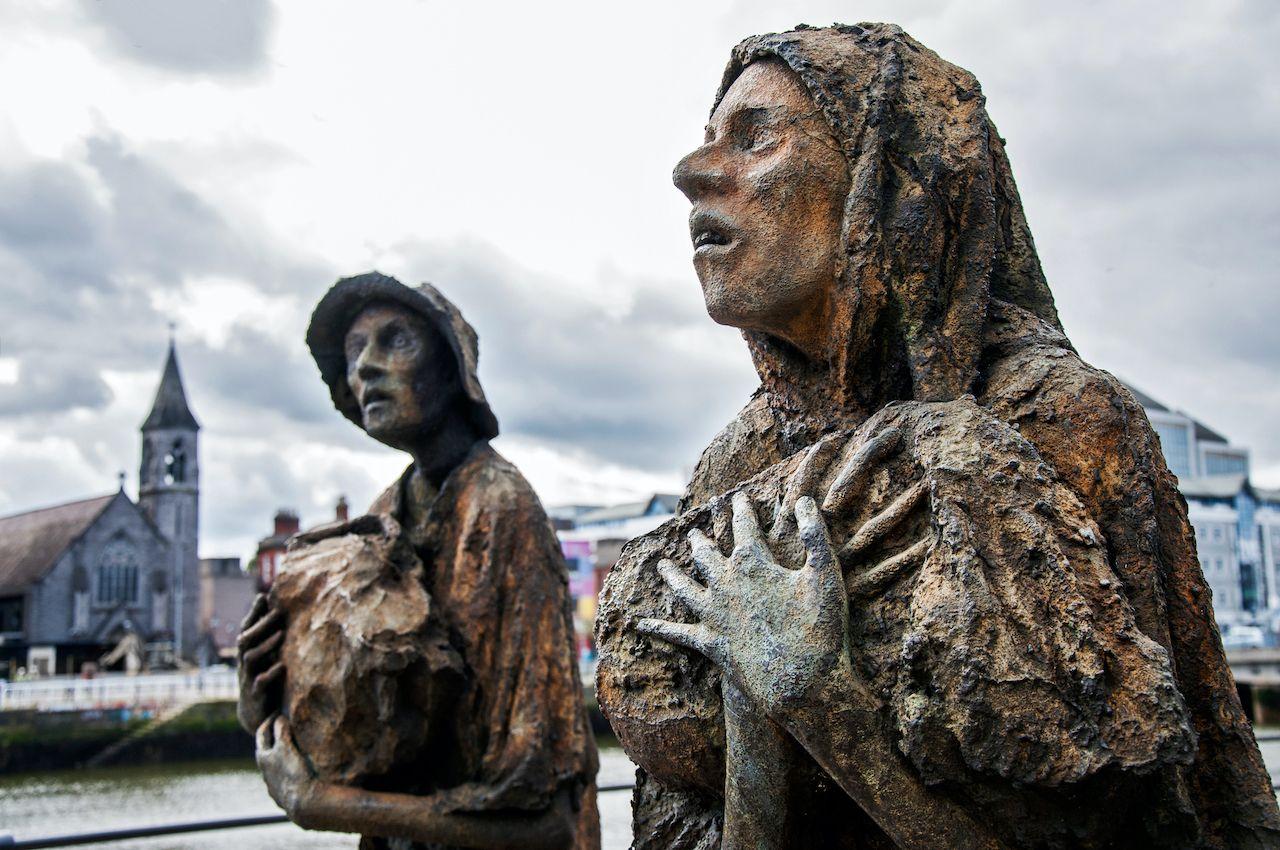 Irish help Native Americans