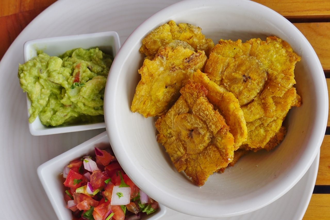 traditional-panama-latin-america-dishes-patacones