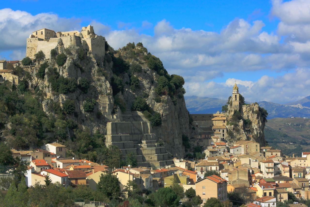 Italian village offers free stays