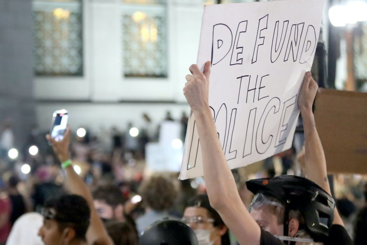 Los Angeles make cuts to police
