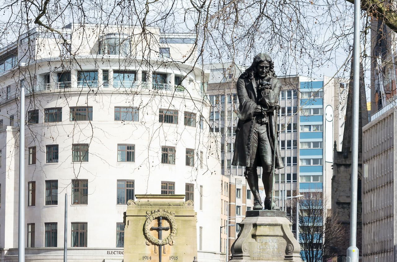 Statue of slave trader torn down