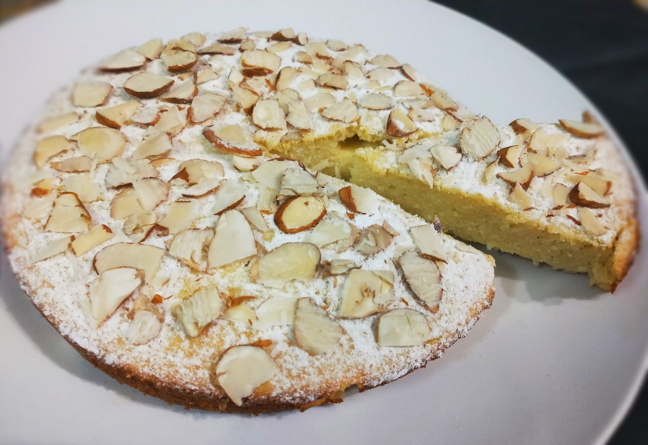 Italian Ricotta cheese and almond cake