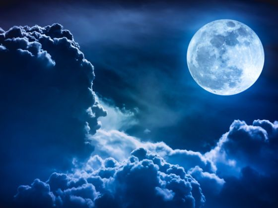 Blue moon taking place on October 31, 2020