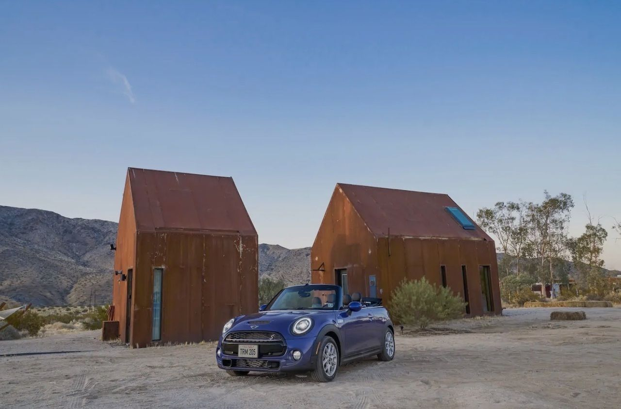 Airbnb rents tiny house and Mini Cooper S for just 1 dollar per night