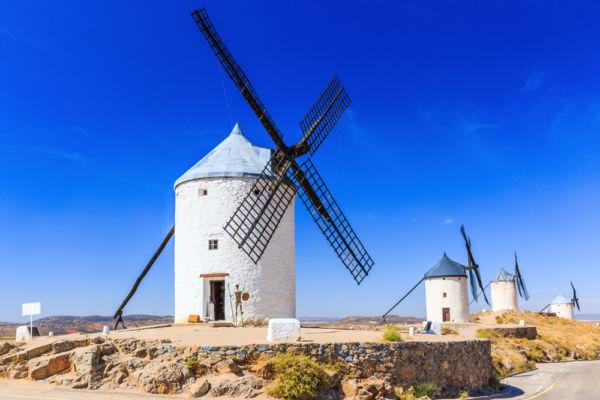 frases sobre viajes de escritores iberoamericanos Molinos de viento Don Quijote España Consuegra