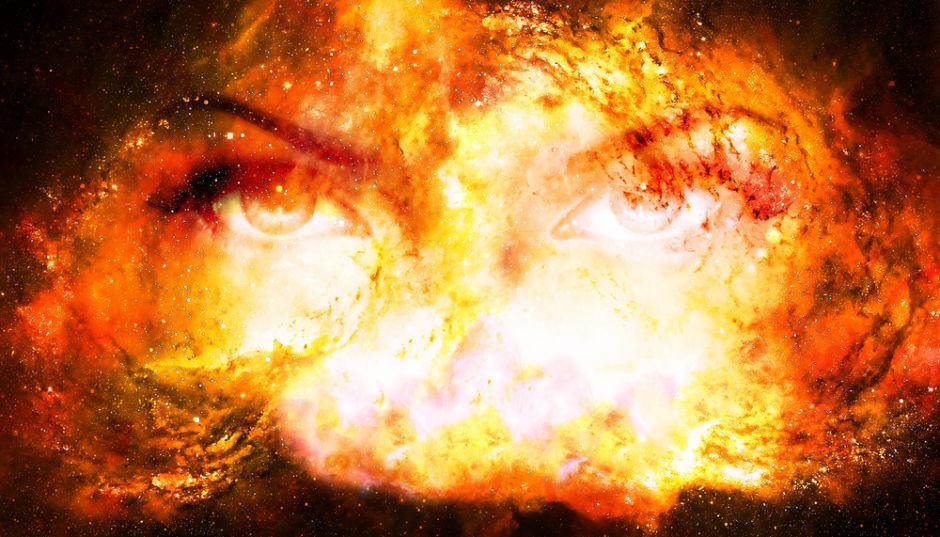 fuego ojos de mujer