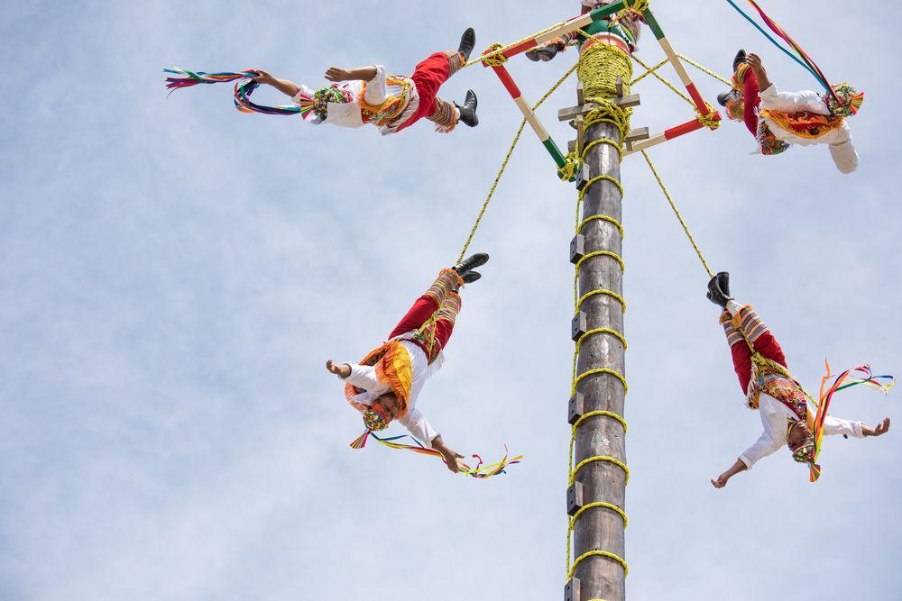 tradiciones mexicanas voladores