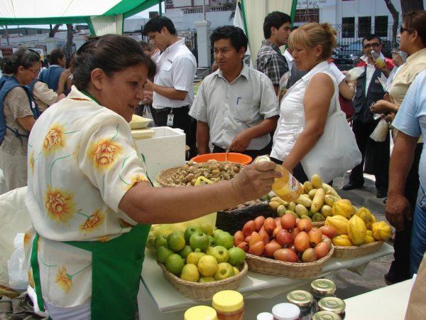 turistas gastronómicos en Perú