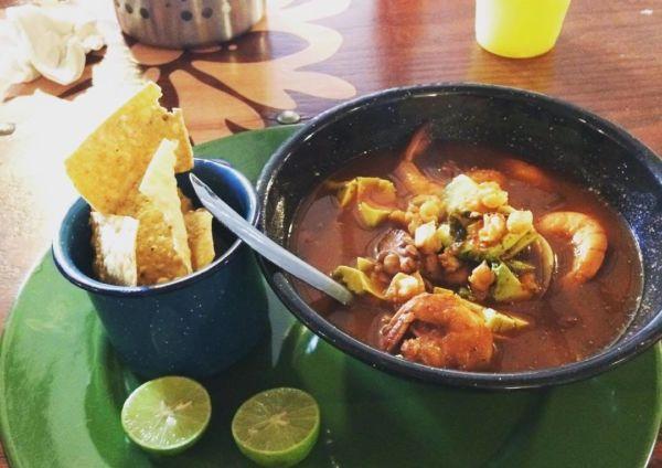 pozole platillo mexicano