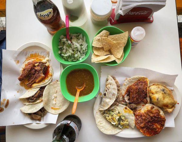 cocina norestense en la carretera nacional