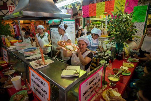 Comer barato en Coyoacán mercado de antojitos de Coyoacán