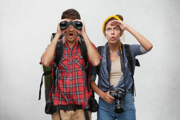 supuestas diferencias entre viajeros y turistas