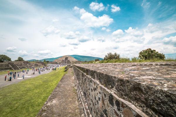 descubren túnel en teotihuacán