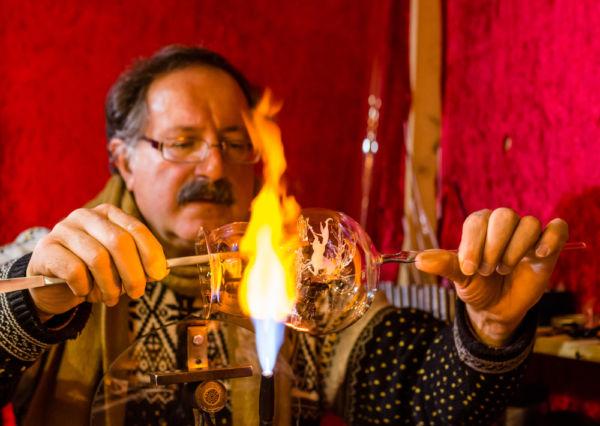 Chignahuapan y Tlalpujahua, dos pueblos maestros en el arte de hacer esferas de Navidad