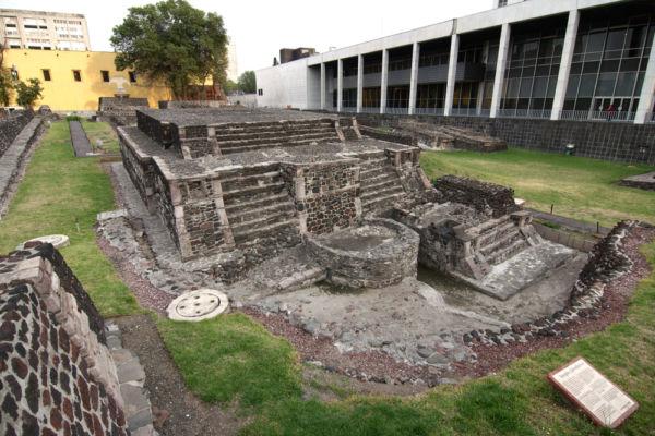 mercado de Tlatelolco según Hernán Cortés