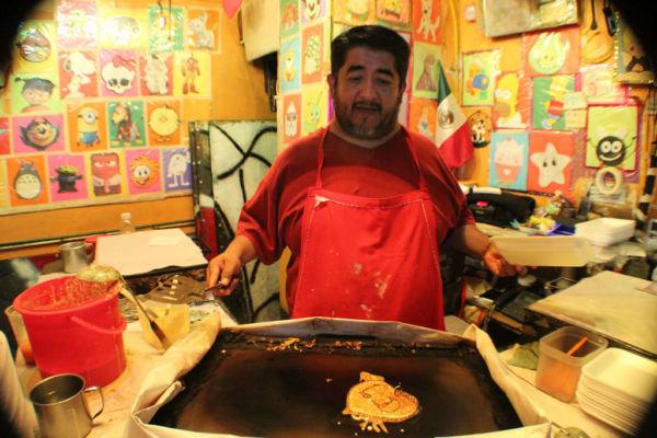 hot cakes mercado de antojitos de Coyoacán