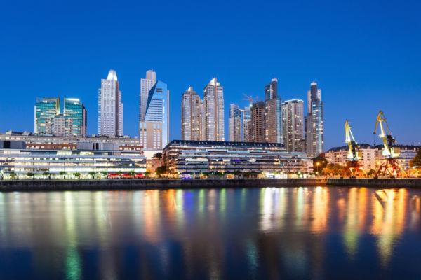 Buenos Aires reina del Plata sobrenombres de ciudades