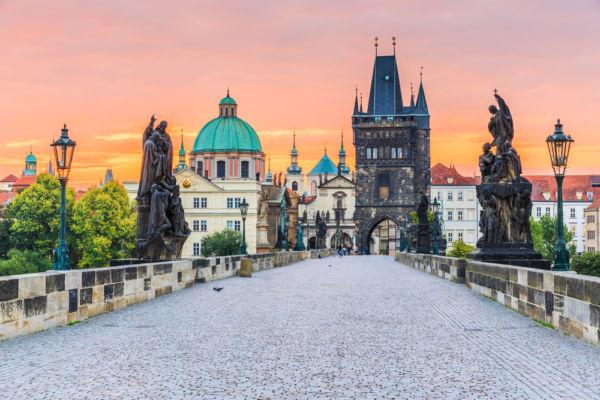 Praga la ciudad de las 100 torres sobrenombres de ciudades