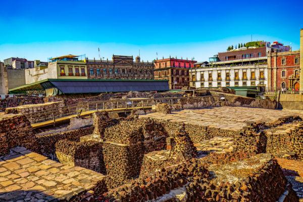 Cuántos habitantes tenía Tenochtitlan