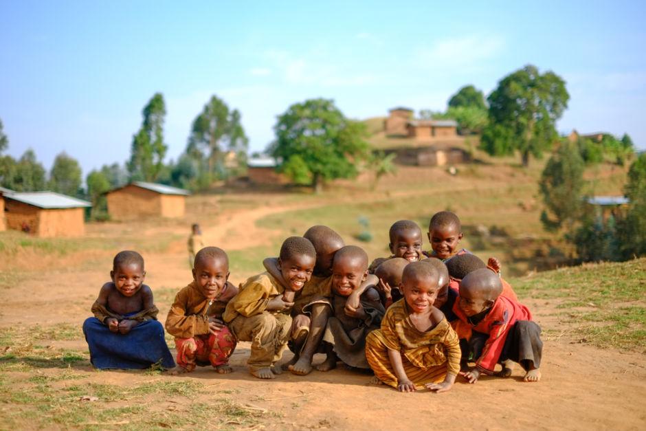viajar a Ruanda niños en áfrica