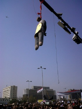 effigy of Mubarak hanging in Tahrir Square