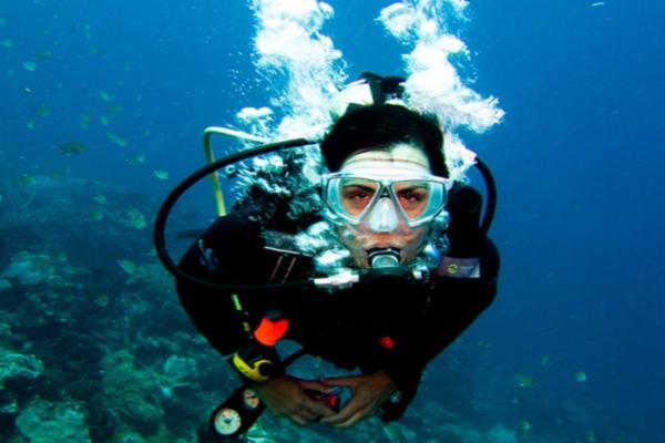 scuba instructor