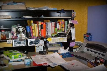 mesy desk