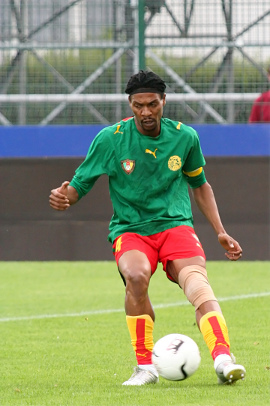 Cameroon s Rigobert Song Photo By  Jean-Marc Liotier 9c07afe76