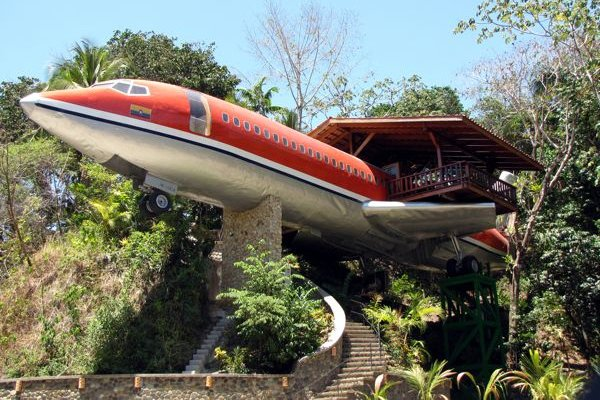 Airplane hotel, Costa Rica