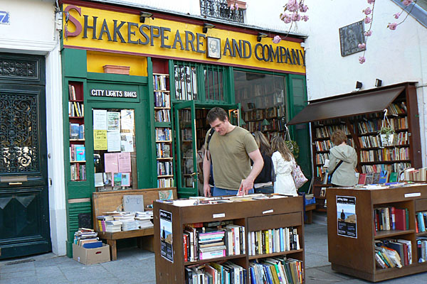 Shakespeare & Co bookstore
