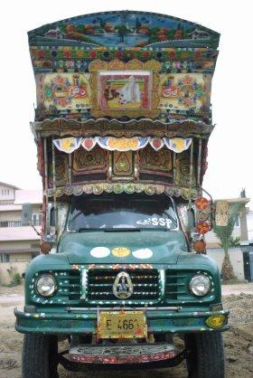 Truck at Gulshan Chaurangi