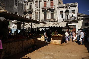 Farmer's market in Havana