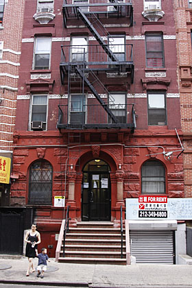 Bret and Jemaine's apartment